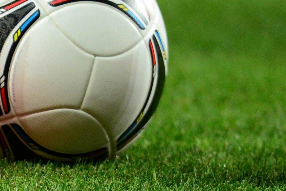 Quatre joueurs de football supplémentaires ont été... (Photo : Franck Fife, AFP)