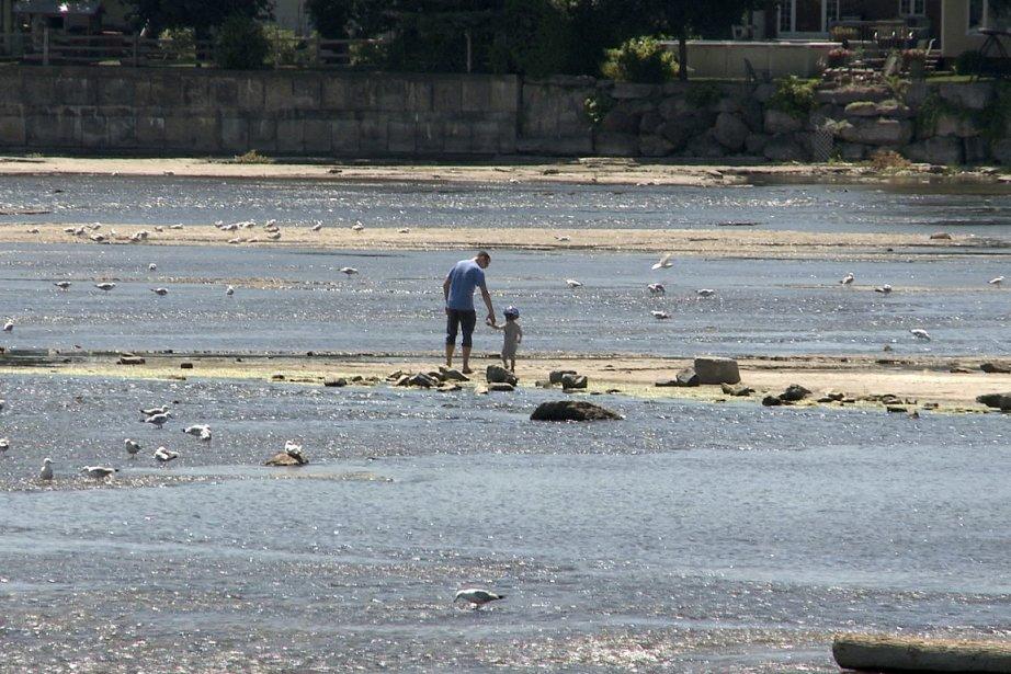 Le débit de la rivière des Mille Îles... (Photo: François Roy, La Presse)