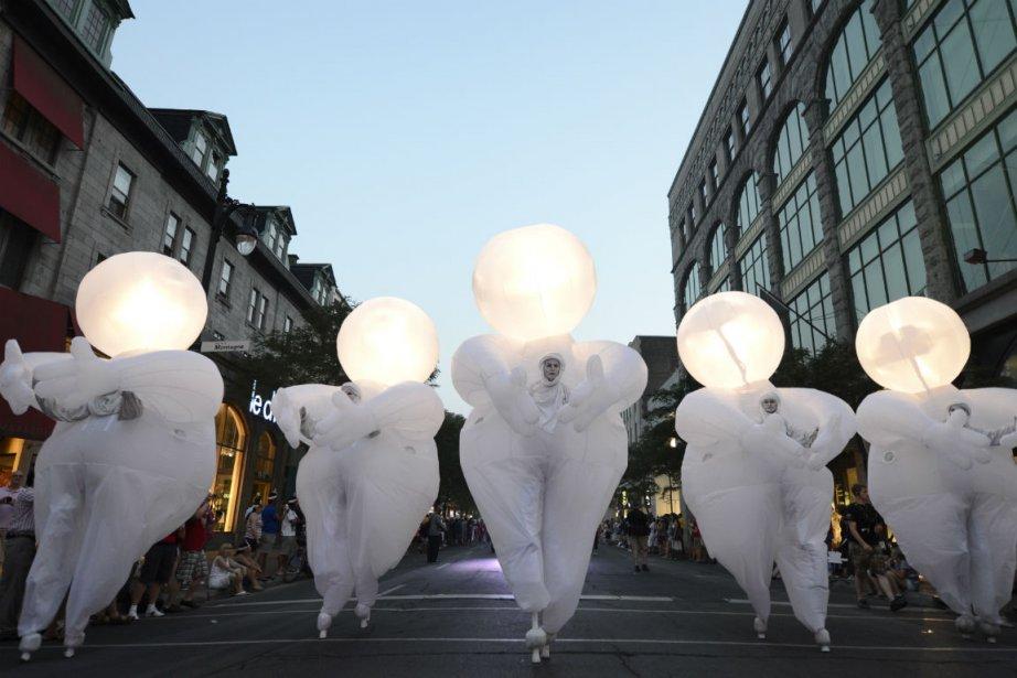 Ce n'était pas le défilé flamboyant du Pinkarnaval de l'an dernier, qui...