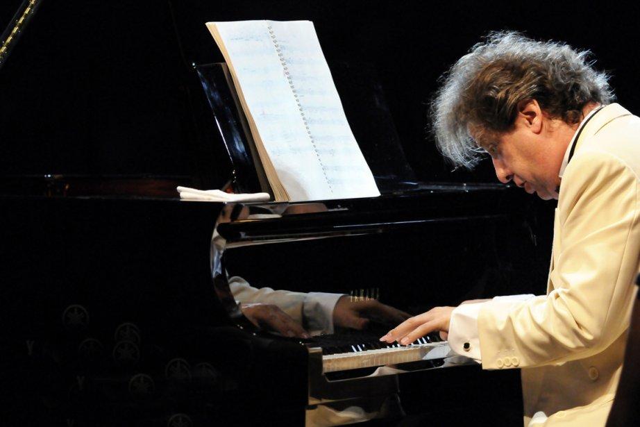 Alain Lefèvre jouant les Préludes de François Dompierre... (Photo : Christina Alonso ©, Festival de Lanaudière)