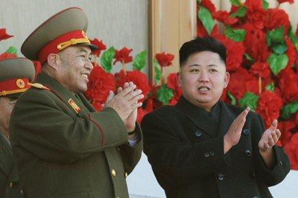 Ri Yong-Ho (à gauche), une figure centrale du... (Photo: Reuters)