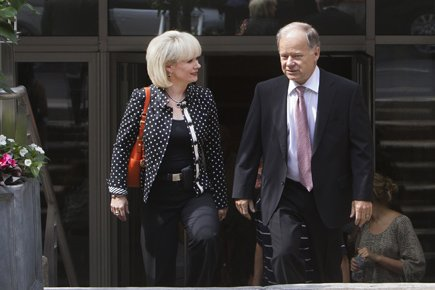 Les ministres Raymond Bachand et Julie Boulet se... (Photo: Robert Skinner, La Presse)
