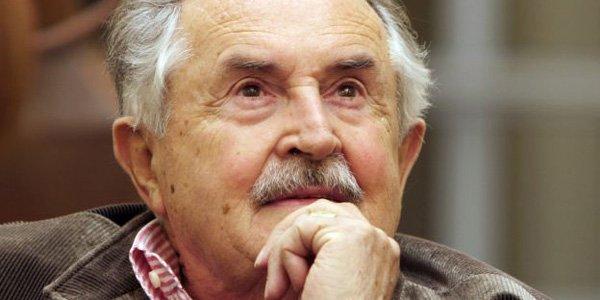 Le poète et scénariste italien Tonino Guerra, qui a travaillé avec les... (AFP)