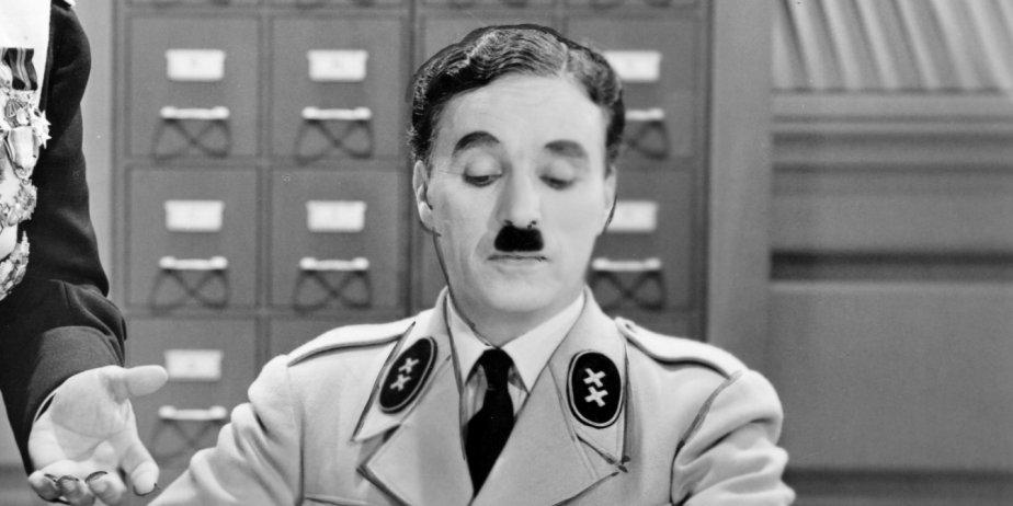 Charlie Chaplin dans Le Grand Dictateur.... (Archives La Presse)