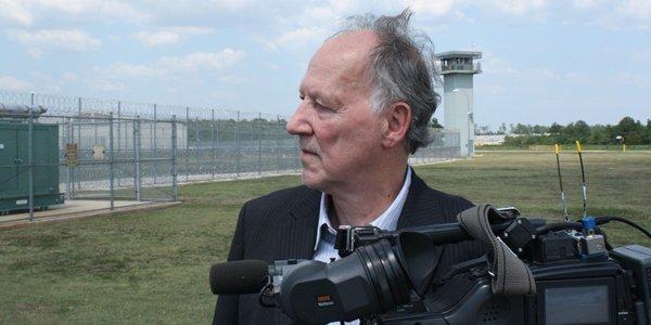 Werner Herzog lors du tournage de Into the... (Investigation Discovery)