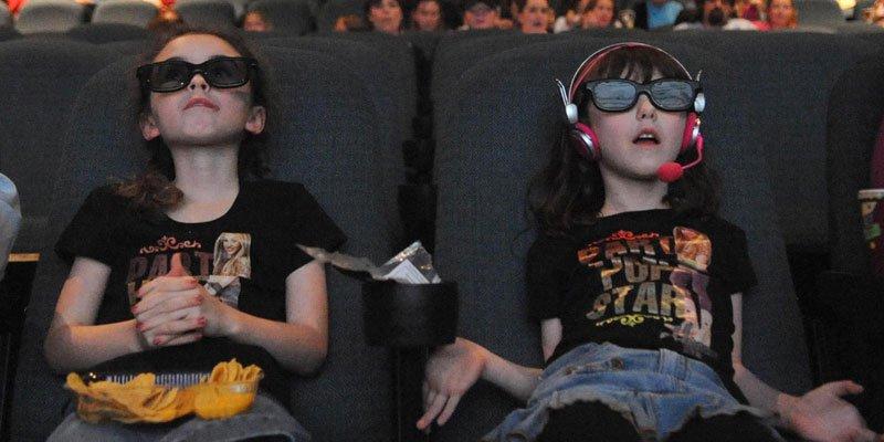Trente-trois films ont été projetés en format 3D au Québec en 2010-2011,... (AP)