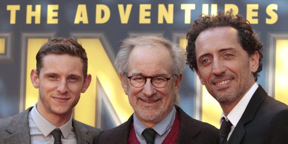 Jamie Bell, Steven Spielberg et Gad Elmalh à... (AP)