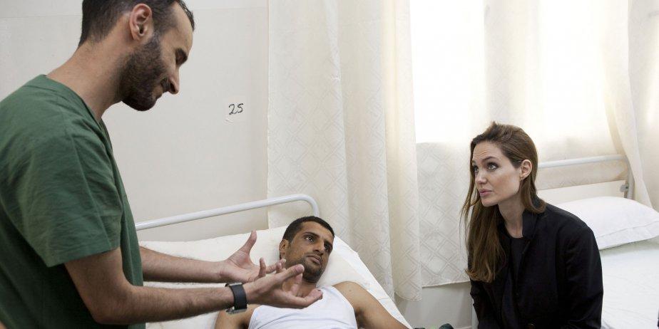 Angelina Jolie, qui est ambassadrice de bonne volonté... (Jason Tanner, Reuters)