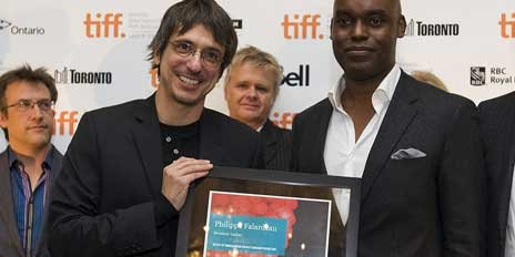 Philippe Falardeau et le coprésident du Tiff Cameron... (Photo La Presse Canadienne)
