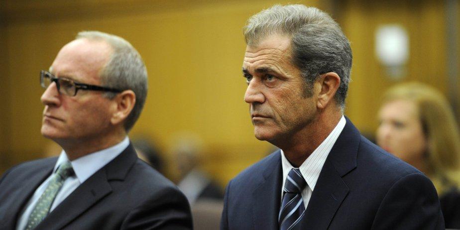 Mel Gibson et son avocat au tribunal aujourd'hui.... (AFP)