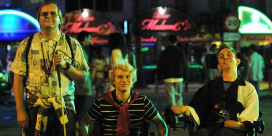 Hasta La Vista est le plus récent film... (Tirée de la bande annonce du film)