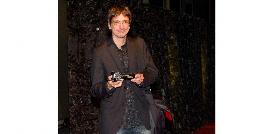 Philippe Falardeau est à Locarno pour présenter son... (Jean-Christophe Bott, AP)