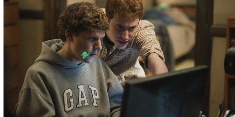 Le film sur la naissance du réseau social Facebook, The Social Network,... (AP)