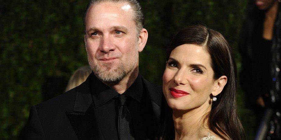 Sandra Bullock et Jesse James à la cérémonie... (AP)