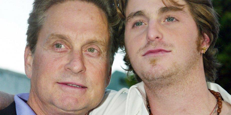 Michael Douglas et son fils Cameron.... (Reuters)