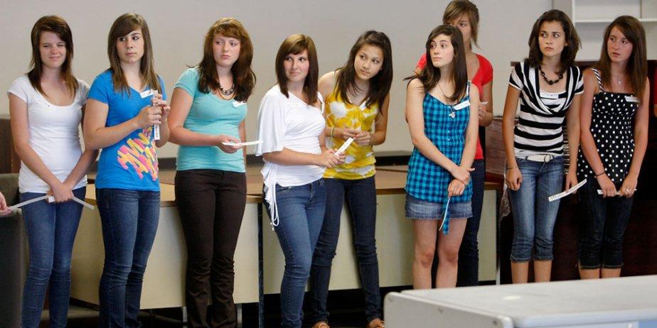 Neuf cents jeunes filles se sont présentées hier... (Martin Chamberland, La Presse)