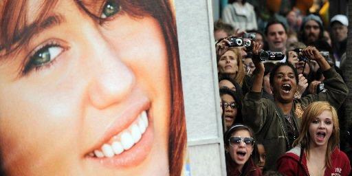 Miley Cyrus et son alter-égo Hannah Montana ont pris sans surprise la... (AFP)