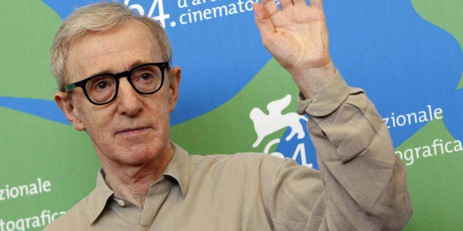 Woody Allen... (AP)