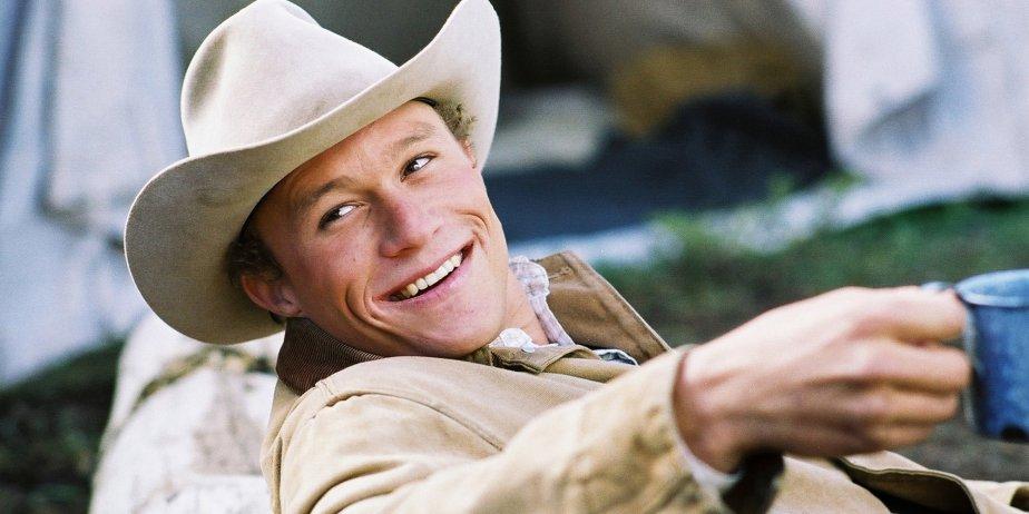 Heath Ledger dans Brokeback Mountain.... (AP)