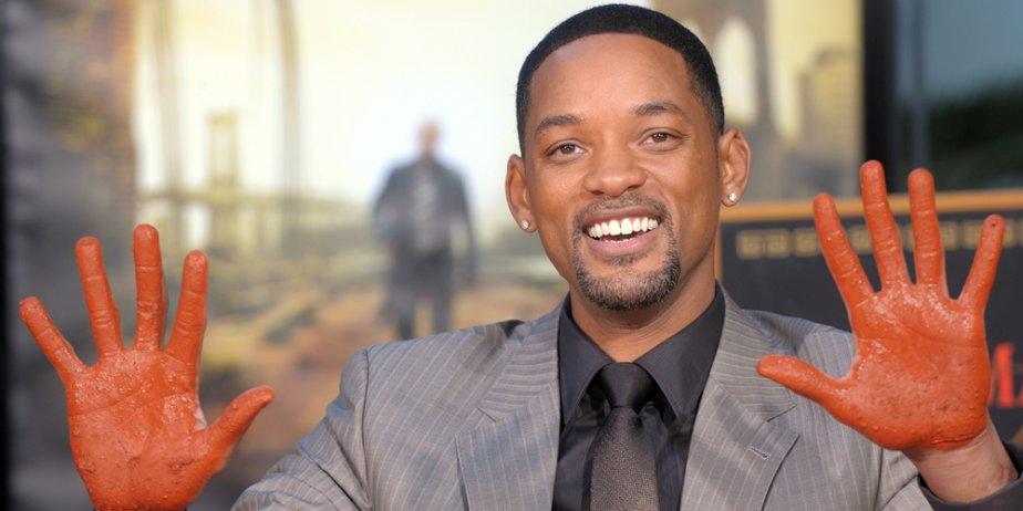 Will Smith a posé pour les photographes après... (AFP)