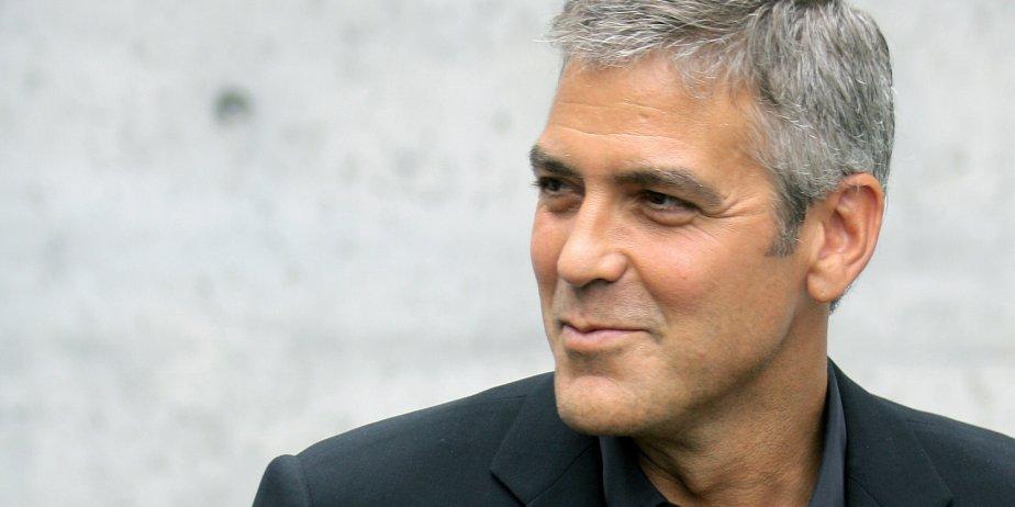 Il y a des stars qui passent volontiers du show-business à la politique:... (AFP)
