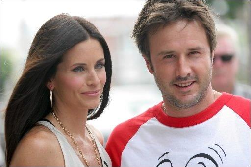 L'actrice américaine Courteney Cox, star de la série Friends, et son mari David...