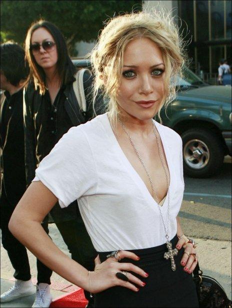 Mary-Kate Olsen, 21 ans, et Ben Kingsley, 63 ans, ont échangé un baiser...