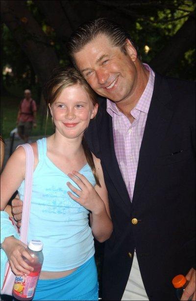Alec Baldwin en compagnie de sa fille, Ireland....