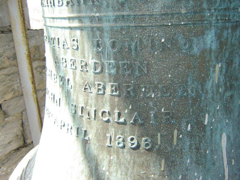 Église Saint-François-de-salle. Vitraux de 1901, riches boiseries, arches multiples et cloches fabriquées par Mears and Stainbanks de Londres. | 18 juillet 2012