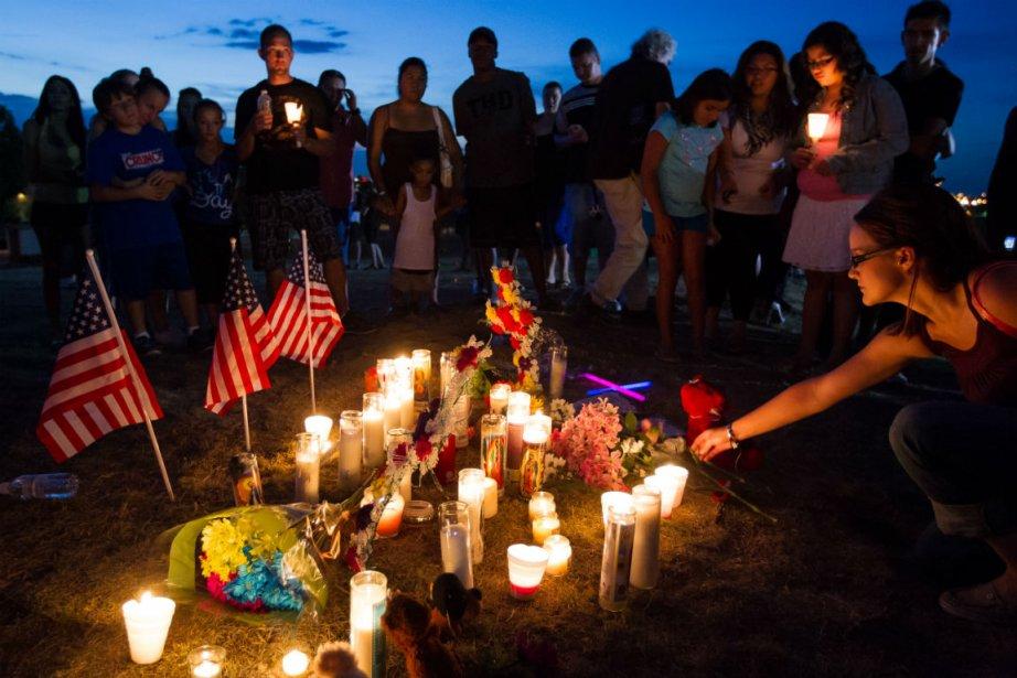 Vigile en mémoire des victimes de la tuerie d'Aurora. | 21 juillet 2012