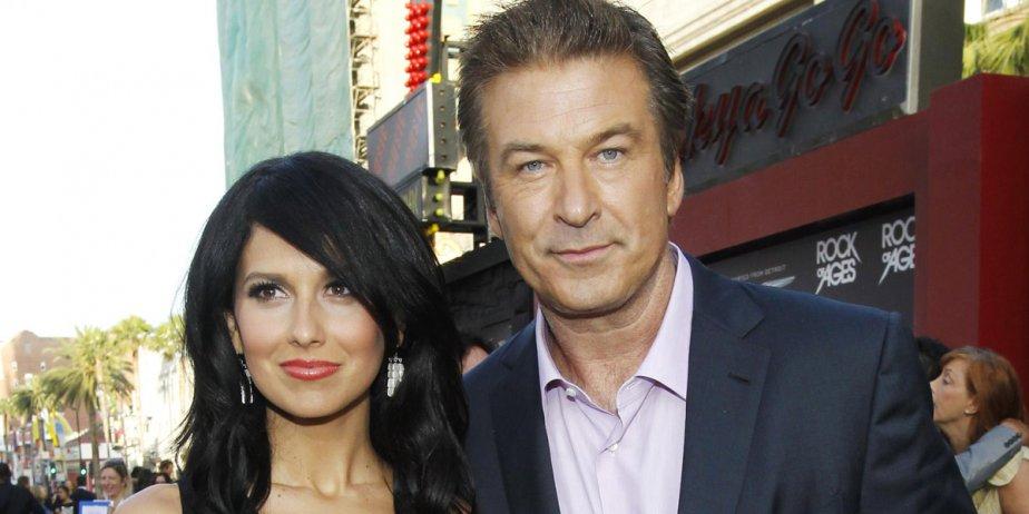 Alec Baldwin et sa fiancée, l'instructrice de yoga... (Reuters)