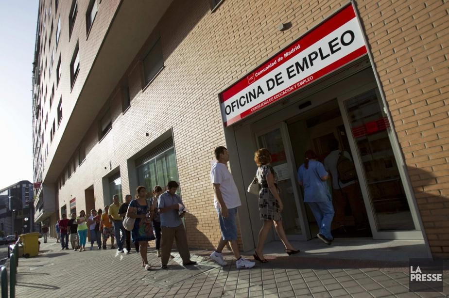 Centre d'emploi du gouvernement à Madrid... (PHOTO JUAN MEDINA, REUTERS)