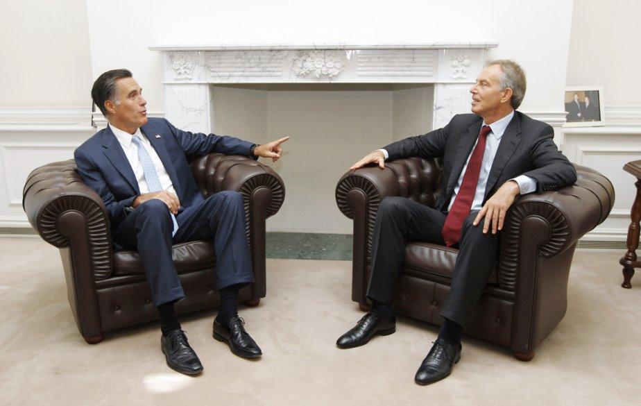 Mitt Romney s'est entretenu avec l'ex-premier ministre britannique Tony Blair. | 30 juillet 2012