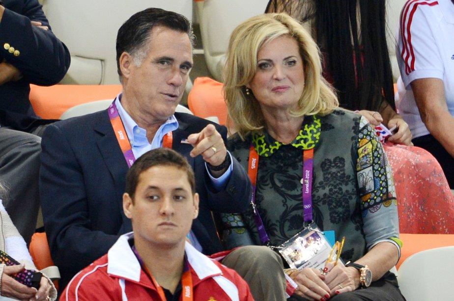 M. et Mme Romney ont profité de leur passage en terre olympique pour assister à une compétition de natation: le 400 mètres nage libre. | 30 juillet 2012