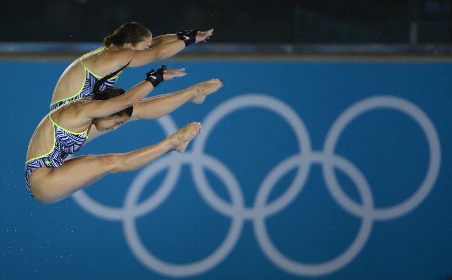 Les plongeuses Roseline Filion et Meaghan Benfeito ont remporté la médaille de bronze de l'épreuve de 10 mètres synchro. | 31 juillet 2012
