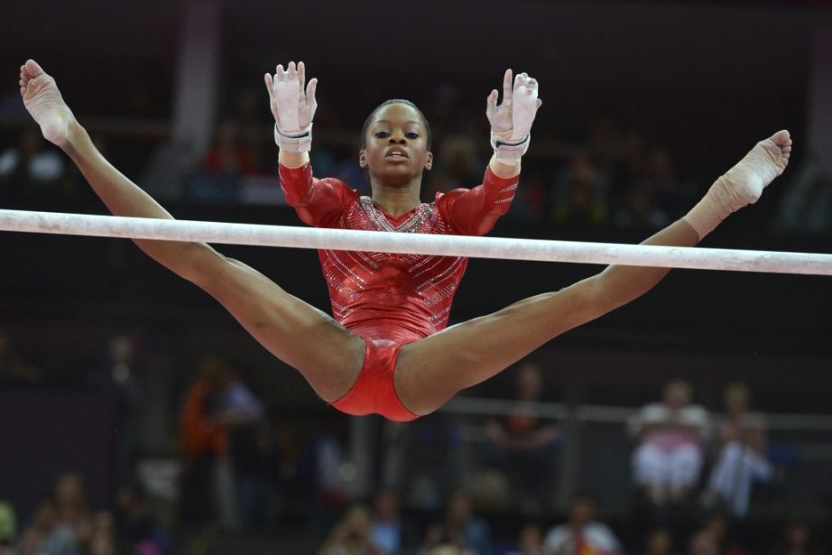Gabrielle Douglas et les gymnastes américaines ont remporté l'or au concours par équipes. | 31 juillet 2012