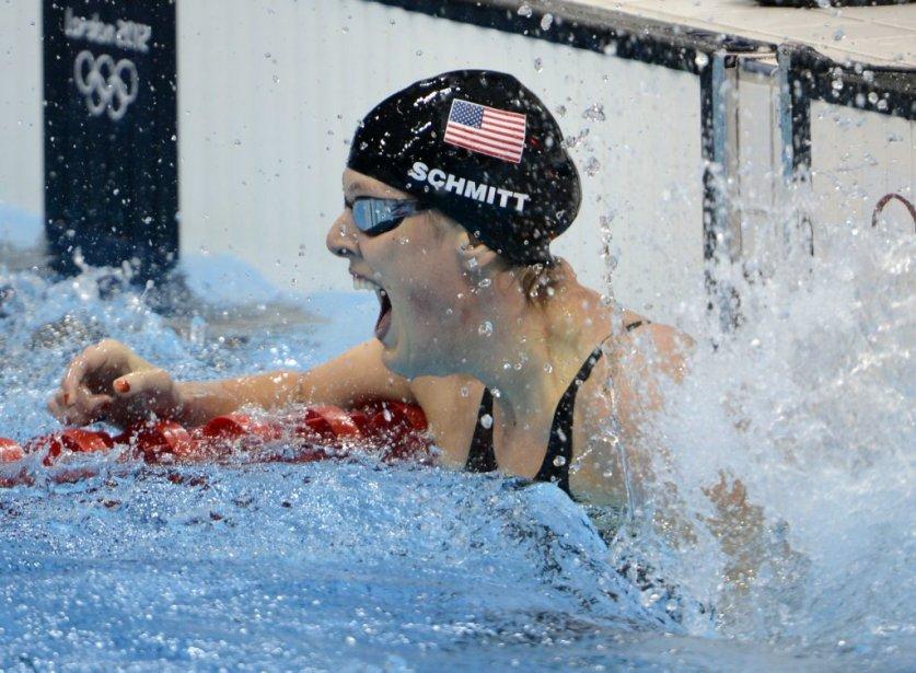 L'Américaine Allison Schmitt jubile après avoir  remporté l'or au 200 mètres style libre. | 31 juillet 2012