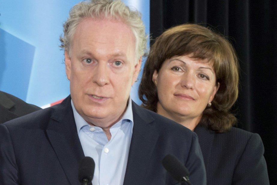 Jean Charest et Linda Lapointe qui a flirté... (Photo PC)