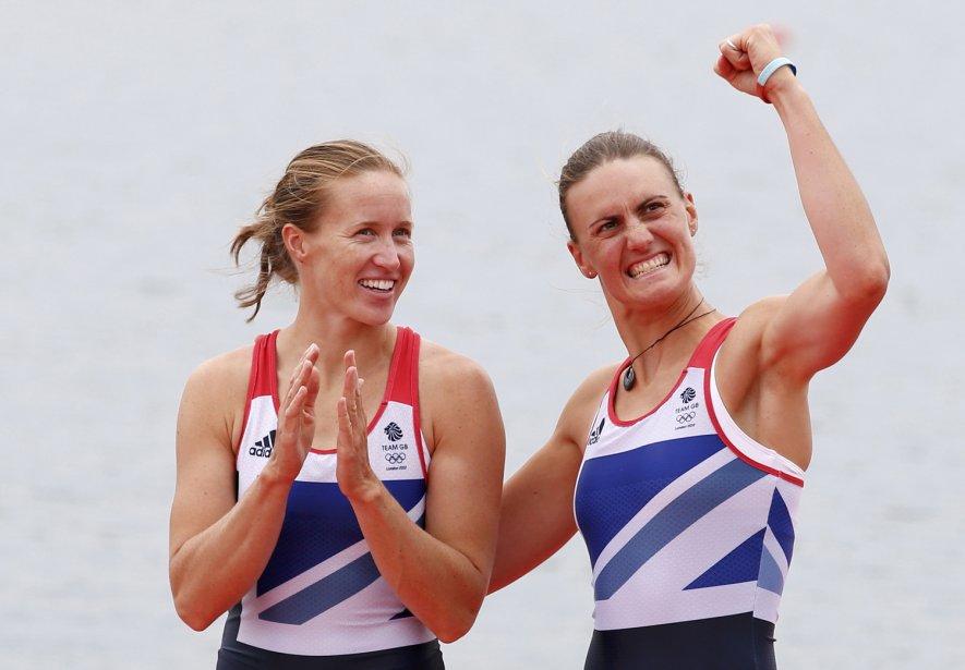 Les avironneuses Helen Glover et Heather Stanning ont remporté la première médaille d'or du Royaume-Uni en deux de couple. | 1 août 2012