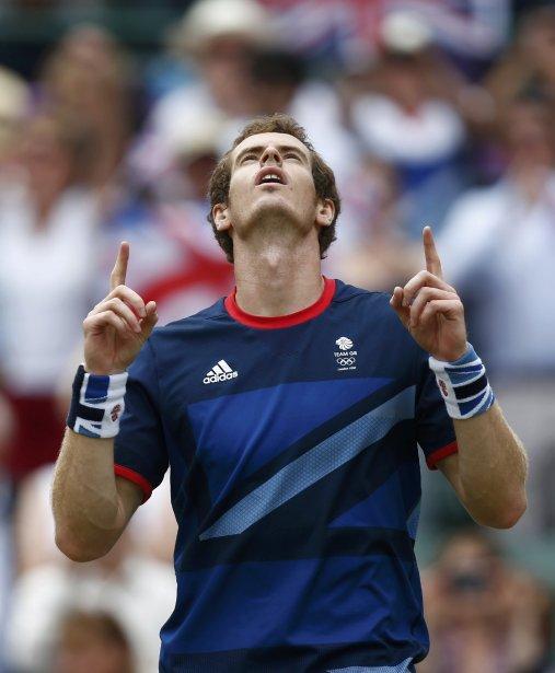 Le tennisman britannique Andy Murray a battu l'Espagnol Nicolas Almagro pour atteindre les demi-finales. | 2 août 2012
