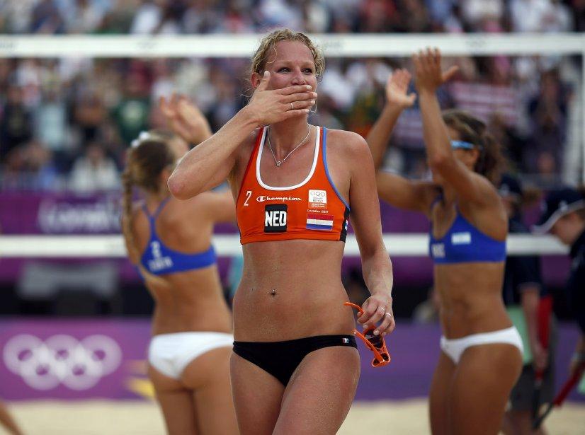 La Néerlandaise Sanne Keizer célèbrent sa victoire contre les Argentines Maria Virginia Zonta et Ana Gallay. | 2 août 2012