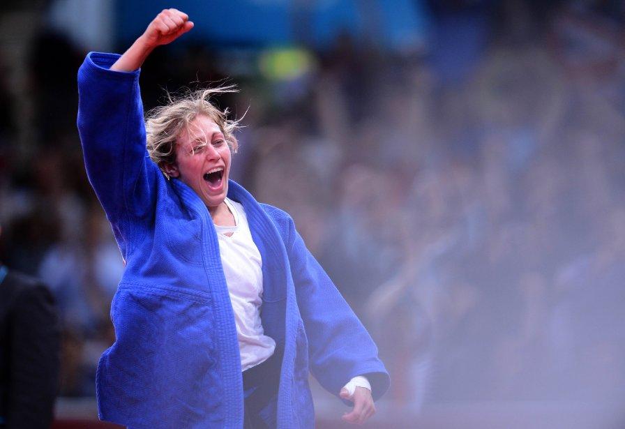 La Britannique Gemma Gibbons célèbrent sa victoire contre la Néerlandaise Marhinde Verkerk chez les 78kg au judo. | 2 août 2012