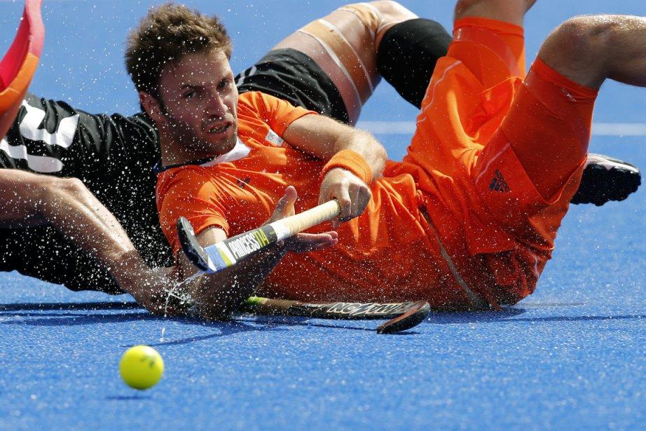 Le joueur de hockey néerlandais Rogier Hofman dans un match contre la Nouvelle-Zélande. | 3 août 2012