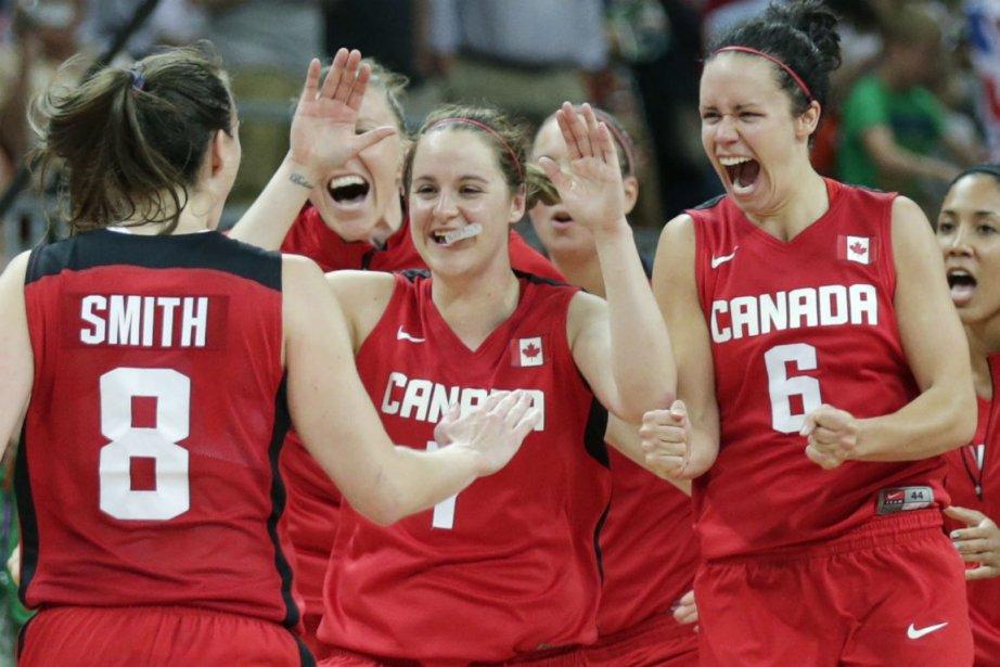 Les Canadiennes ont remporté une victoire de 79-73... (Photo: AP)