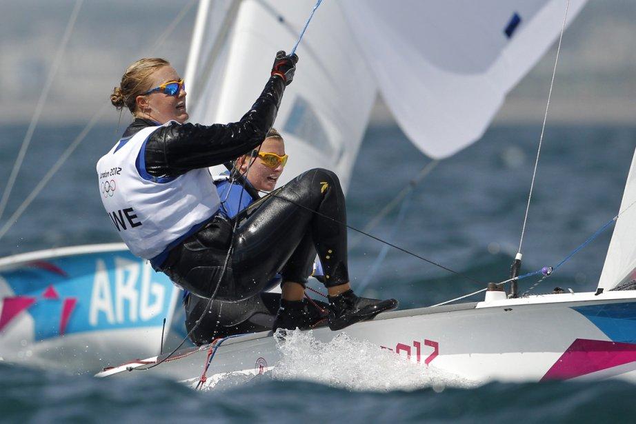 Les Suédoises Lisa Ericson et Astrid Gabrielsson participent à l'épreuve de voile 470. | 3 août 2012