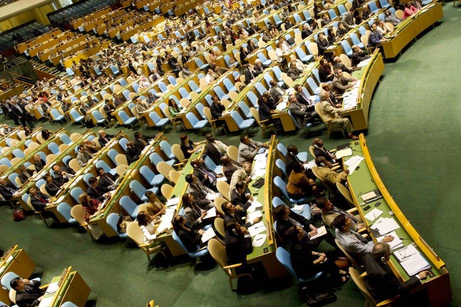 La résolution dénonçant le pilonnage des villes rebelles... (PHOTO DON EMMERT, AFP)