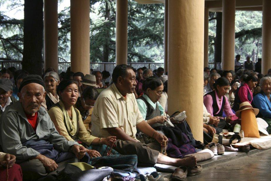 Des fidèles viennent méditer au temple Tsuglag Khang,... (Photo Frédérick Lavoie, collaboration spéciale)