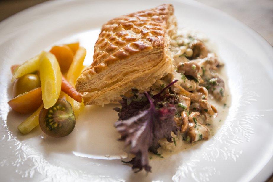 On peut servir la poêlée de champignons sur... (Photo Olivier Pontbriand, La Presse)