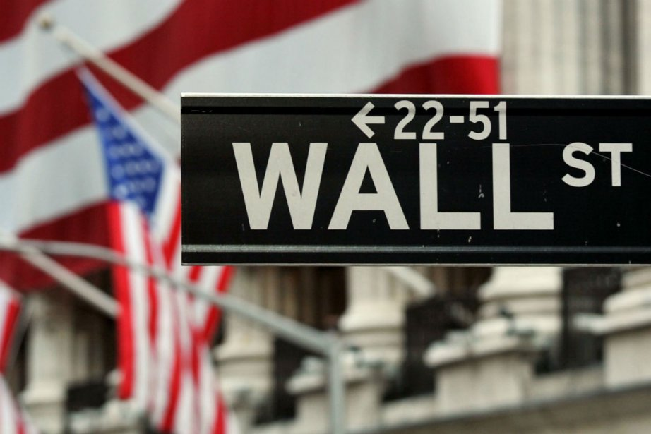 Alors que des investisseurs institutionnels s'informent... (PHOTO ARCHIVES AFP)