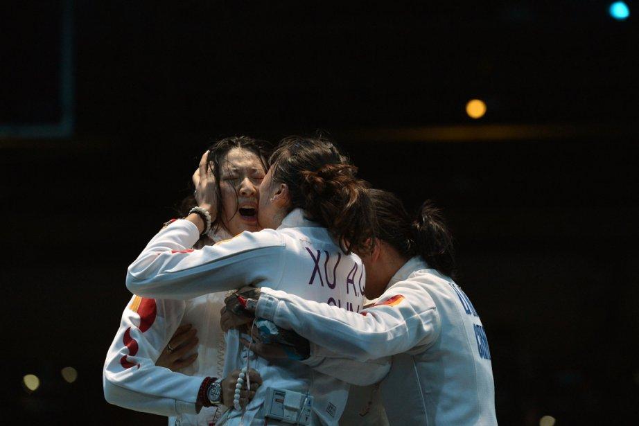 Sun Yujie, à gauche, célèbre avec ses coéquipières.... (Photo : Alberto Pizzoli, AFP)